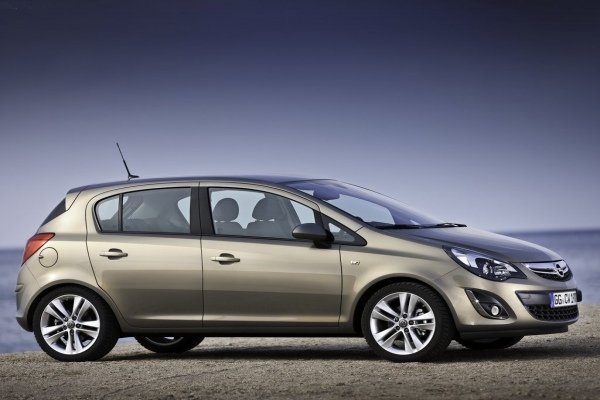 Rent a Opel Corsa car in Thessaloniki