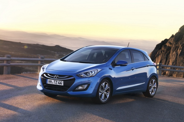 Rent a Hyundai i30 car in Thessaloniki