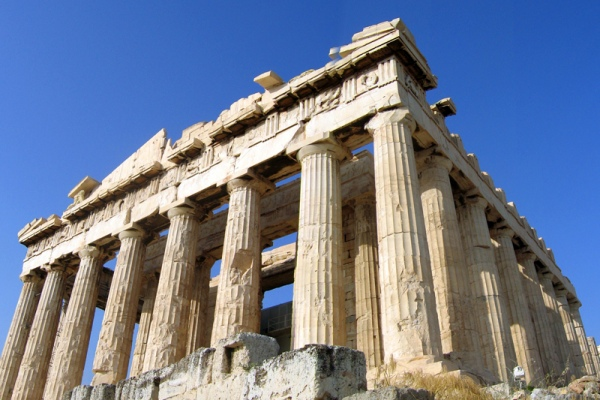 Νοίκιασε αυτοκίνητο στην Αθήνα και ανακάλυψε τα μυστικά της Αρχαίας Ελλάδας