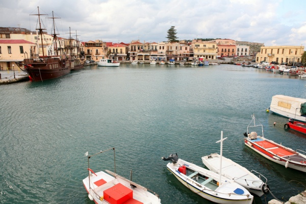 Rent a car in Rethymno and explore Crete island