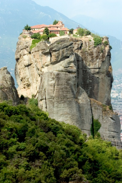 Rent a car in Meteora and enjoy your holidays