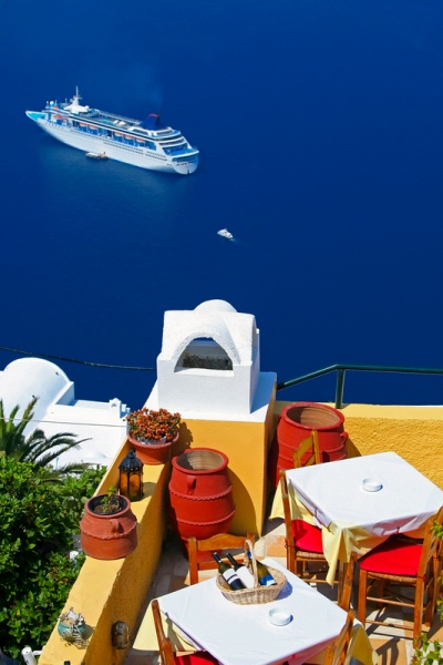 Rent a car in Santorini island and enjoy your holidays